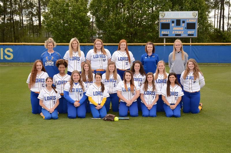 image of varsity softball team